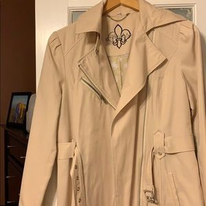 Guess trench coat 🧥